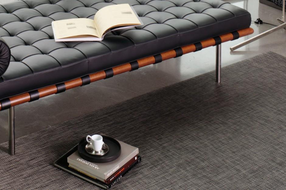 Dieser Teppich besteht aus einem Gewebe, welches sich gut für Arbeitszimmer und Esszimmer eignet.