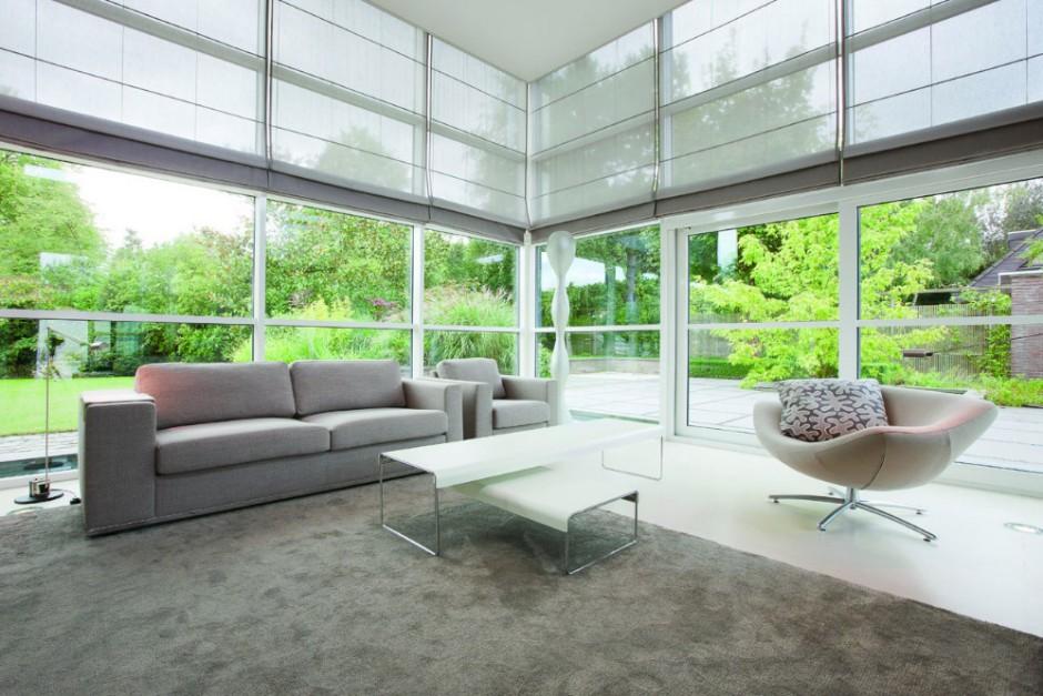Dieser unifarbene Teppich in changierenden Schlammfarben eignet sich wunderbar für Wohnzimmer.