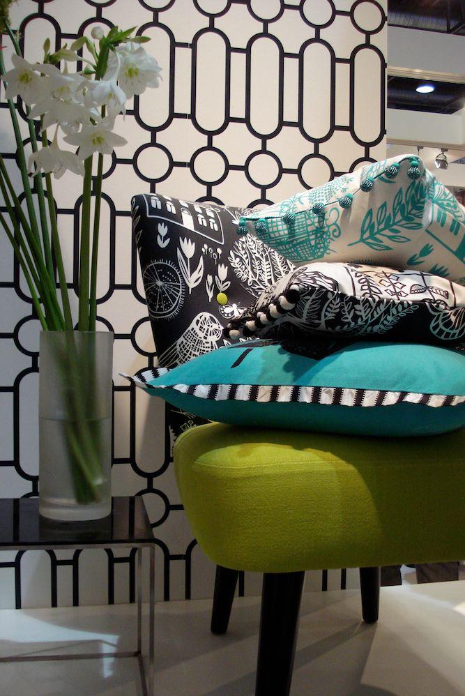 Dieser trendige Polstersessel ist grün und von Designers Guild. Kaufen Sie diesen Sessel direkt bei rainer scheid im saarland.